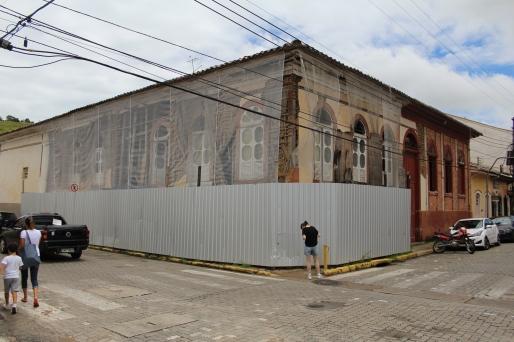 Residência ainda em processo de restauro