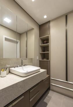 Apartamento Veza - Cuba integrada ao closet